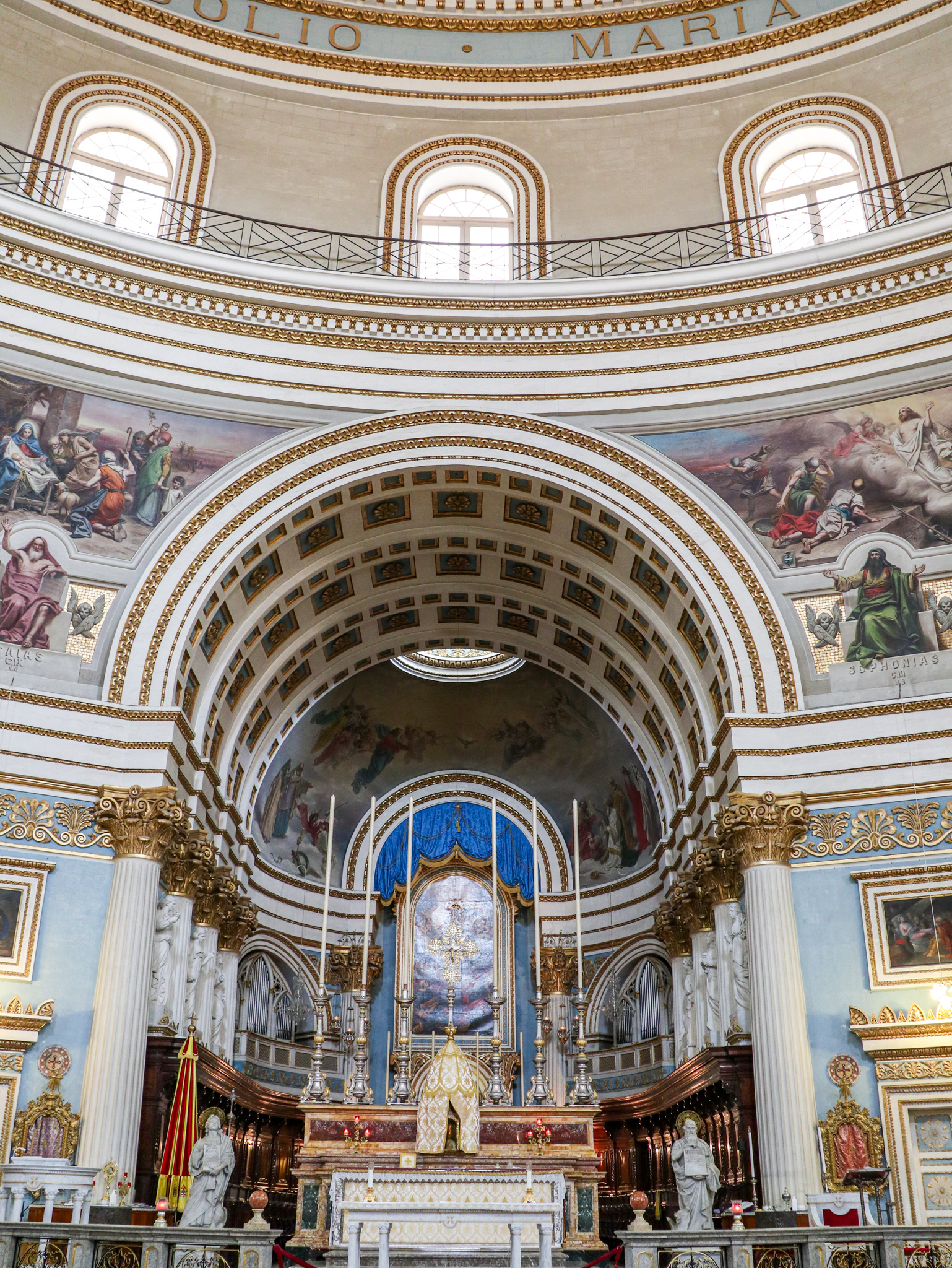 Altar da igreja de Santa Maria em Mosta, Malta