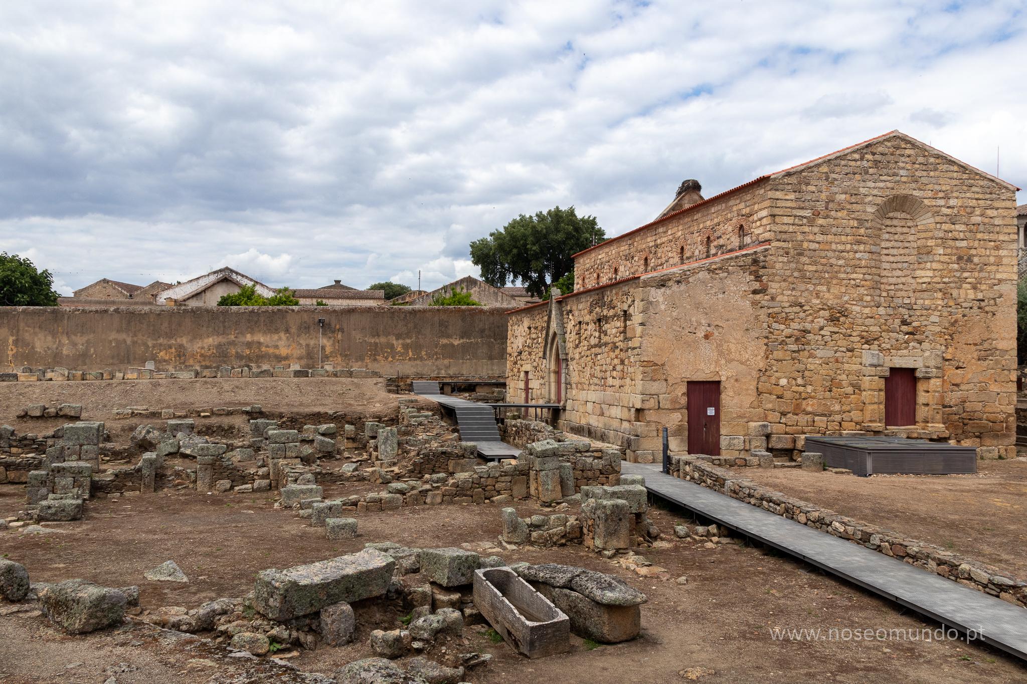 Sé Catedral de Idanha-a-velha e Ruínas Romanas